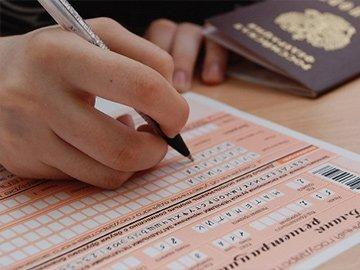 Неждали // Первые результаты ЕГЭ преподнесли чиновникам сюрпризы