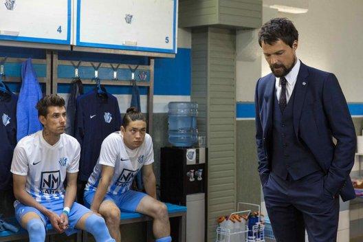 Фильм «Тренер»: Мы верим твёрдо в героев спорта