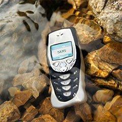 Техника в погружении: как спасти утонувший мобильник