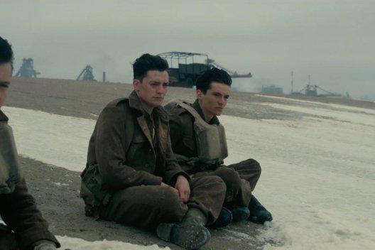 Фильм «Дюнкерк»: Гни свою линию, Нолан