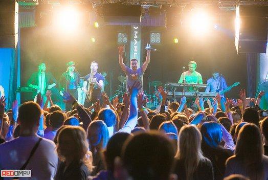 Концерт группы «Дискотека авария» в ресторан-баре «Облака»