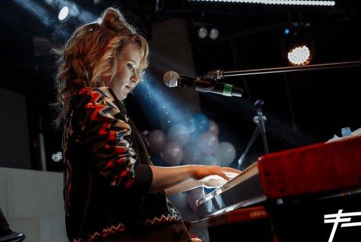 Монеточка: Концерт в кафе-клубе «Романтика»