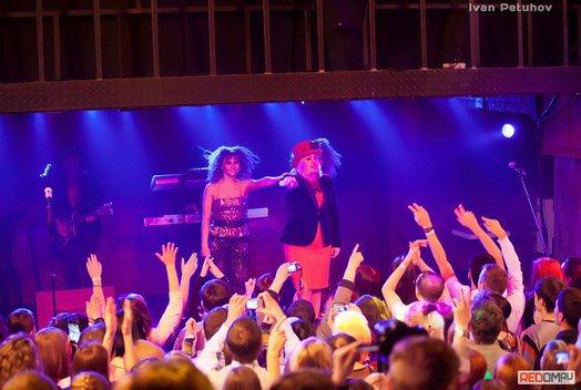 Ева Польна: Концерт в баре Loft