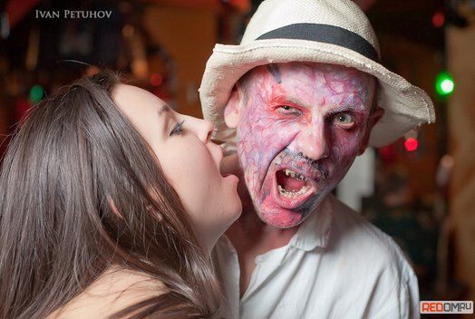 Хэллоуин в ночном клубе «Колорадский папа»