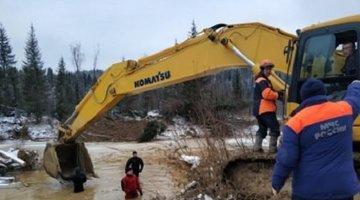 Число погибших при прорыве дамбы в Красноярском крае возросло до 17 человек